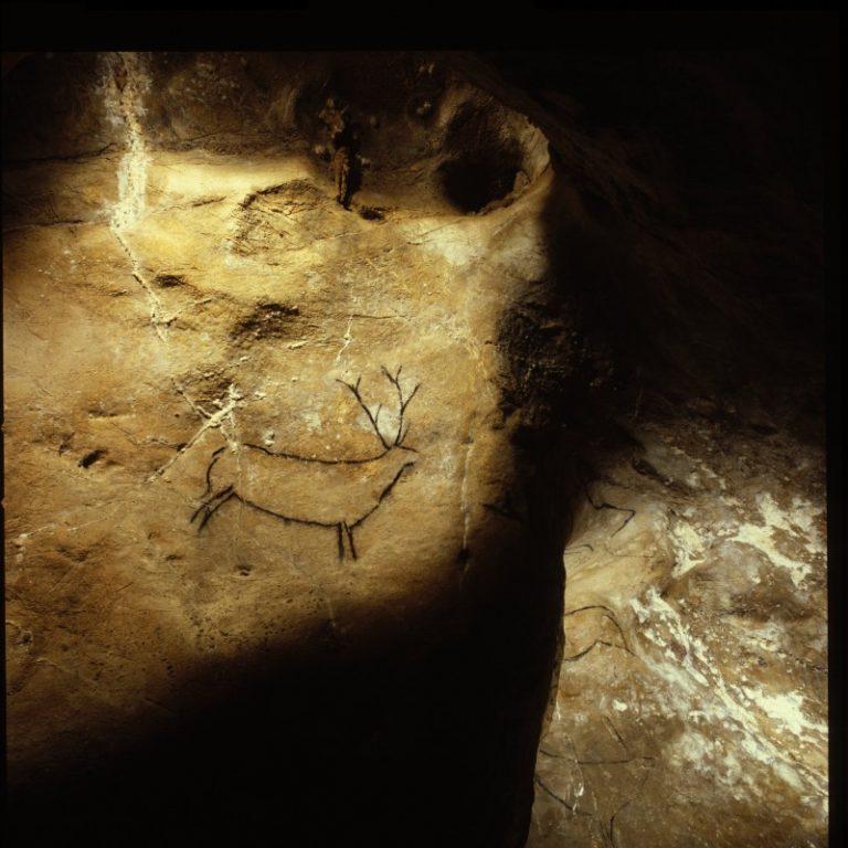 chimeneas cueva cantabria 768x768 - Tesoros subterráneos de Cantabria