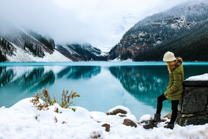 lago invierno canadá montañas nieve frio - Ideas originales y atractivas para dar la bienvenida a 2020 lejos de casa