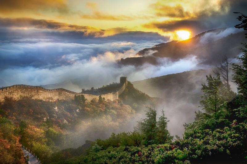 muralla china paisaje montaña bosque - Ideas originales y atractivas para dar la bienvenida a 2020 lejos de casa