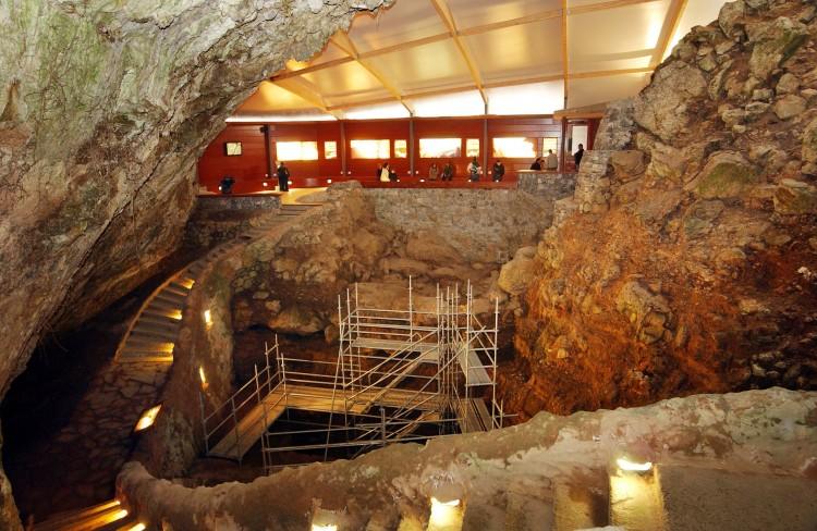 puente viesgo cueva cantabria españa - Tesoros subterráneos de Cantabria