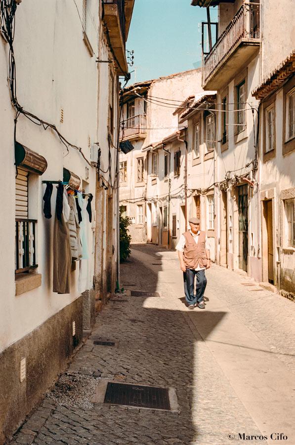 """Casco viejo Castelo Branco Portugal Portra 400 © Marcos Cifo - Fotos de: """"Castelo Branco, una ventana al pasado"""""""