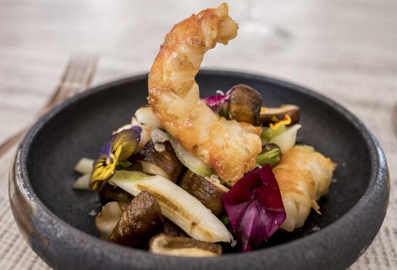 """Salteado de shitake y langostinos con caldo oriental Urban Bristo - Abre sus puertas el nuevo restaurante """"Urban Bistro"""""""