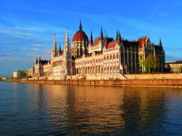 catedral Budapest Castillo Rio 260x195 - Revista Más Viajes