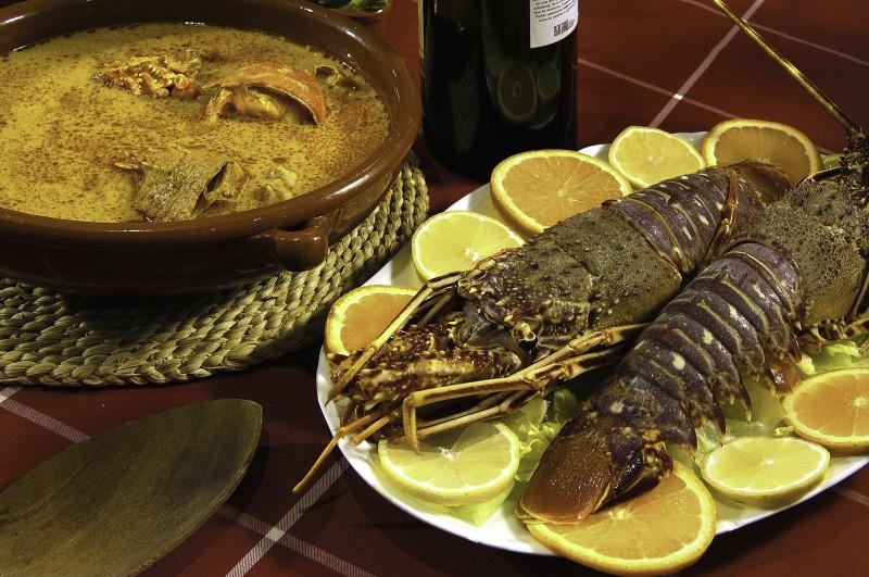 Comida Típica menorca langosta caldereta - Menorca, luz, calma y naturaleza