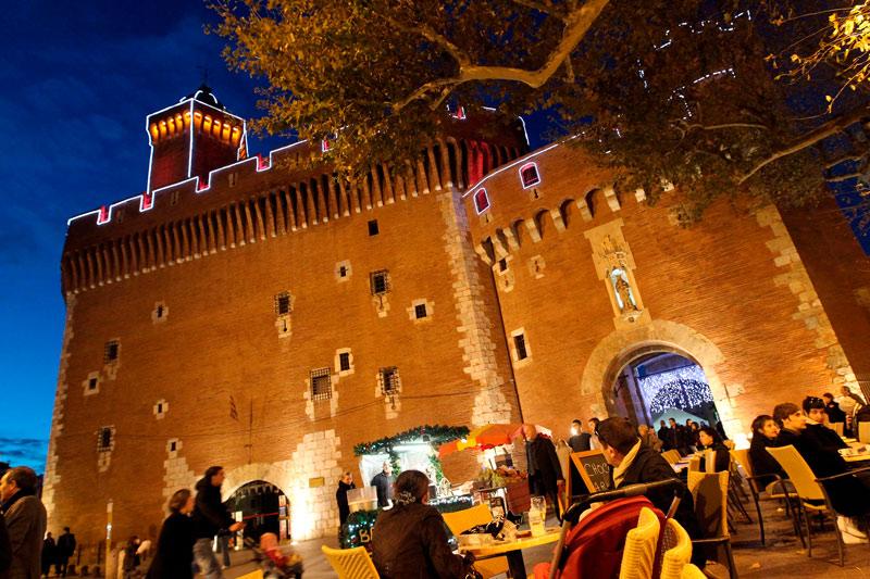 """Perpignan Castillo Francia ©service photos - Fotos de: """"Francia: razones para visitarla"""""""