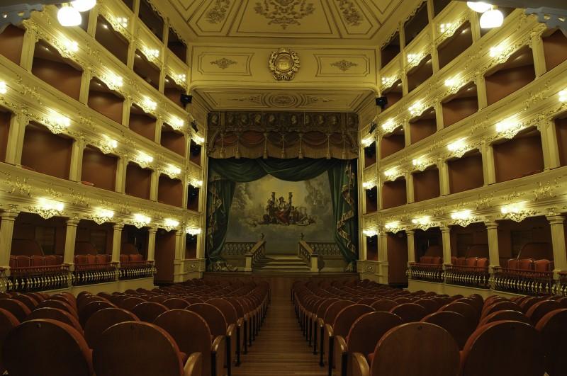 menorca palcos butacas Teatro Principal - Menorca, luz, calma y naturaleza