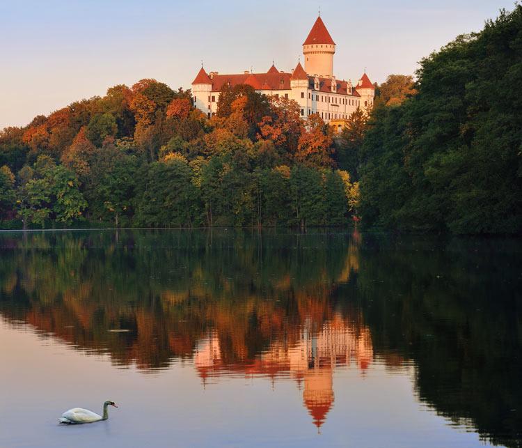 Castillo Konopiste Bohemia Central Republica Checa © Ladislav Renner - Cómo viajar a Chequia desde el sofá con libros y películas