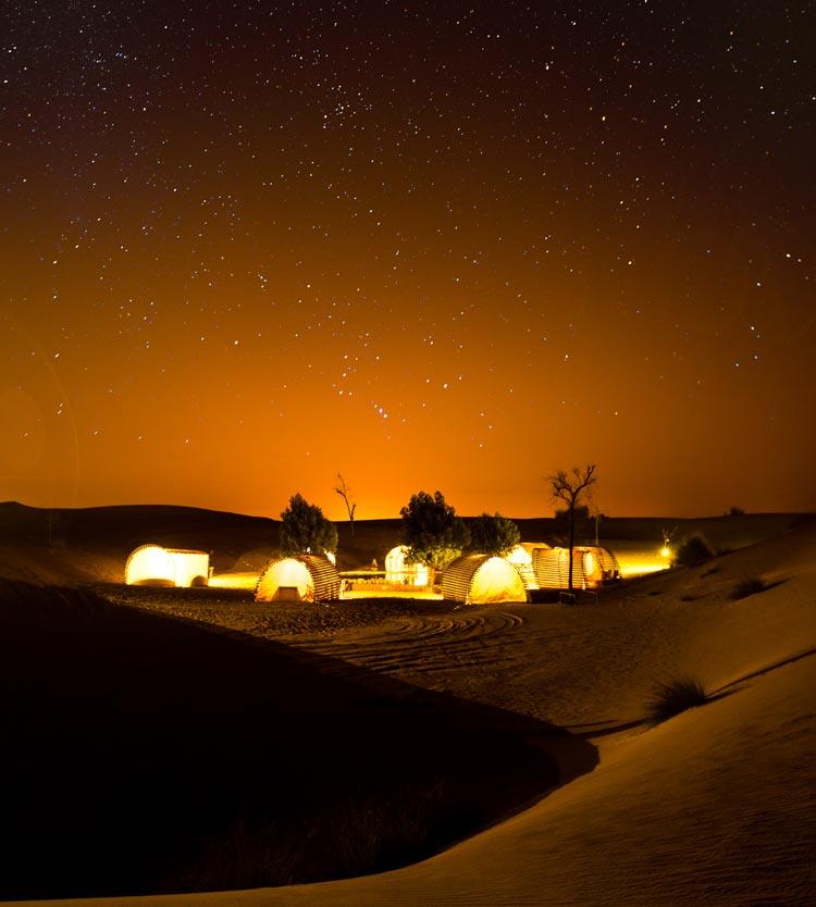 Desierto de Dubái noche 1 - Viaja a Dubái sin mover un dedo, desde el sofá