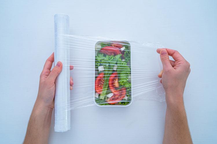 Ensalada Envasar Alimentos 5 - La ayuda de los electrodomésticos en la cuarentena del Covid-19