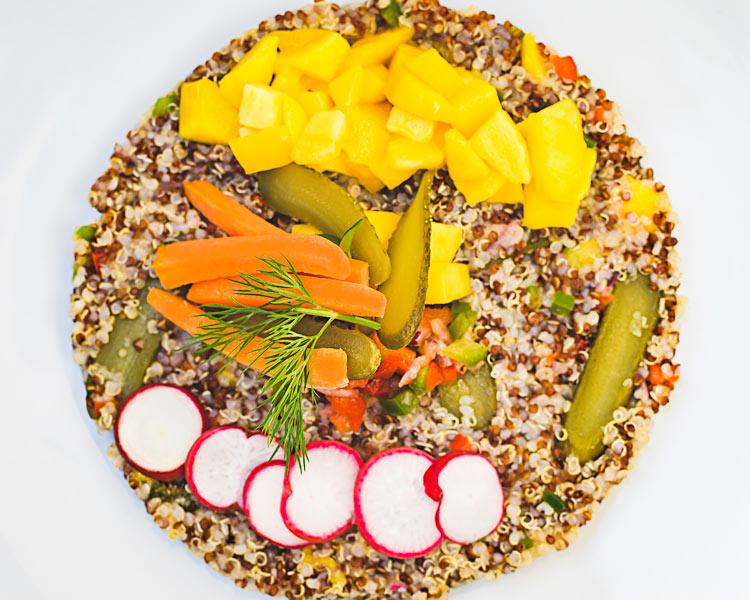 """Ensalada de quinoa y mango Bocanegra - """"Bocanegra"""" abre sus puertas en el Palacio del Marqués de Casa Riera"""