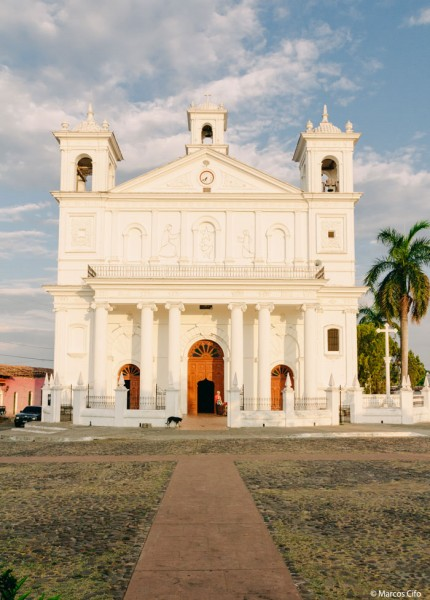 Iglesia El Salvador Centroamérica © Marcos Cifo - Centroamérica,  un lugar para sentirse vivo