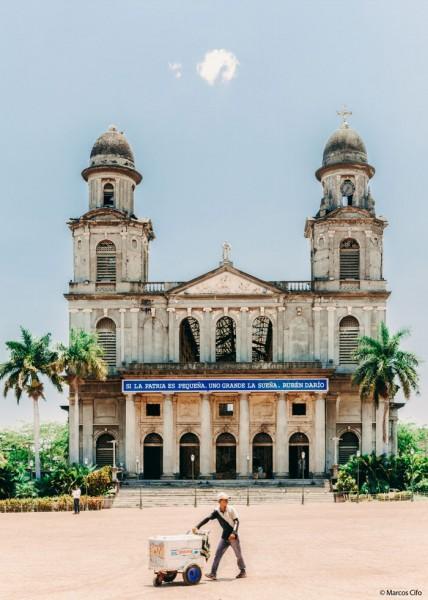 Iglesia vendedor Nicaragua Centroamérica© Marcos Cifo - Centroamérica,  un lugar para sentirse vivo