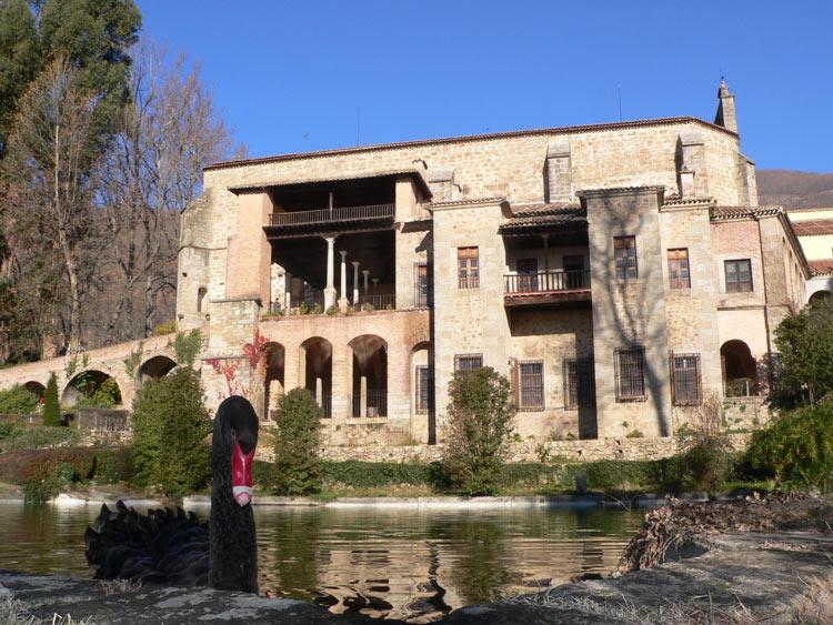 """Monasterio de San Jerónimo de Yuste.© Carlos Daucousse - A{2h}de, una propuesta sostenible para convertir la """"España vaciada"""" en la """"España visitada"""""""