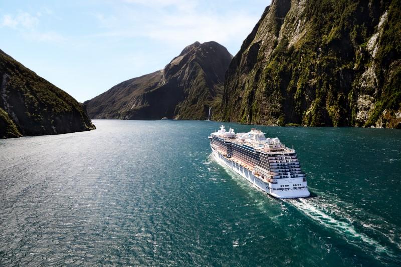 Princess Cruises crucero lago mar montañas - Ruta por Australia y Nueva Zelanda, una gran aventura por las Antípodas
