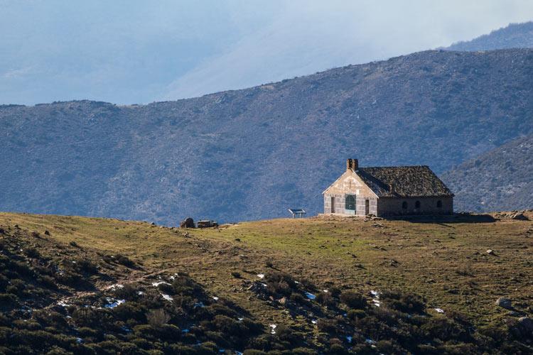 """Refugio de las Nieves en Guijo © RCAAdicover - A{2h}de, una propuesta sostenible para convertir la """"España vaciada"""" en la """"España visitada"""""""