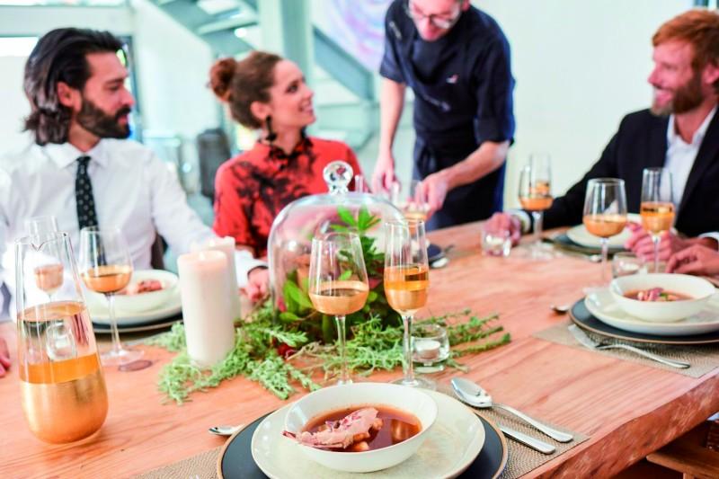 Supper Stars restaurante mesa platos comida - Multipropuestas Más Viajes 67
