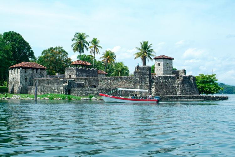 castillo san felipe izabal GUATEMALA centroamerica - Cinco películas y series con las que descubrir Centroamérica desde tu sofá