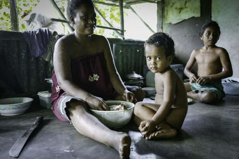 nam madol niños piso descalzos - Nam Madol; El secreto de los Pohnpeian