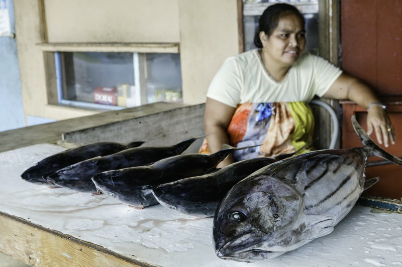 nam madol pescados mujer mercado - Nam Madol; El secreto de los Pohnpeian