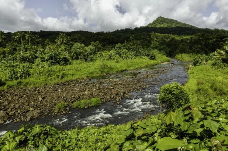 nam madol rio bosque montaña - Nam Madol; El secreto de los Pohnpeian