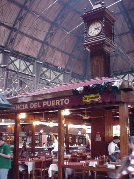 reloj uruguay montevideo mercado puerto - Montevideo desde su corazón, La Ciudad Vieja