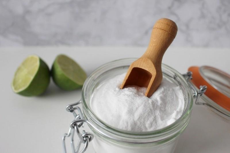 sal limon bowl cuchara - 7 problemas de limpieza que puedes solucionar con sal