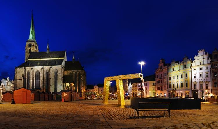 Plaza de la República de Pilsen Plzeň República Checa © Ladislav Renner - Chequia abre sus fronteras sin restricciones al turismo español