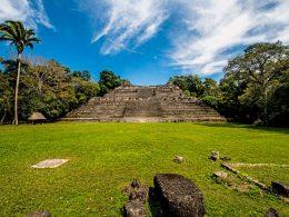 Belice templo maya Caracol Centroamérica 260x195 - Revista Más Viajes