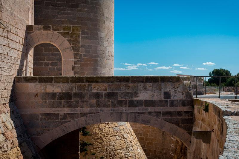 Castillo de Bellver Palma de Mallorca Islas Baleares © ToniPerello - 5 curiosidades del Castillo de Bellver de Palma que lo hacen único en el mundo