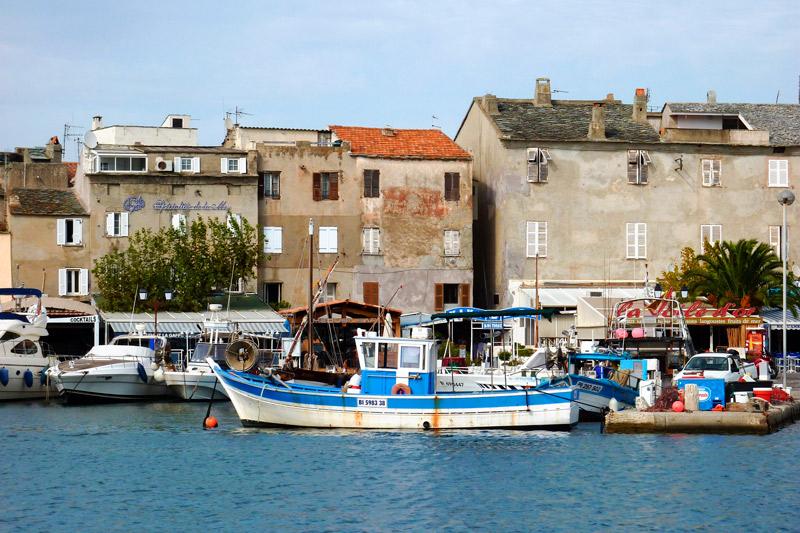 Córcega Francia barcos casas - Córcega, la isla de la belleza