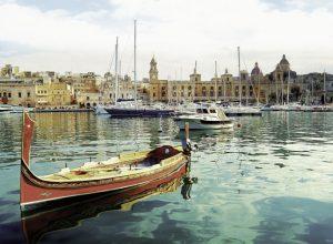 malta Birgu yacht marina 300x220 - Revista Más Viajes