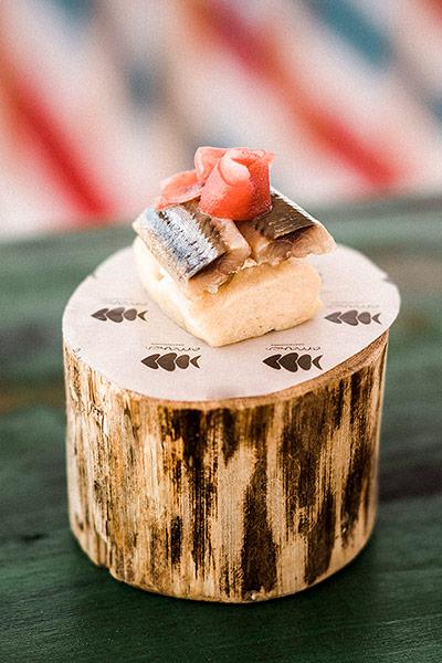 Focaccia de sardina ahumada y queso La Peral Varsovia Amares restaurante - Varsovia Amares, una terraza con mayúsculas