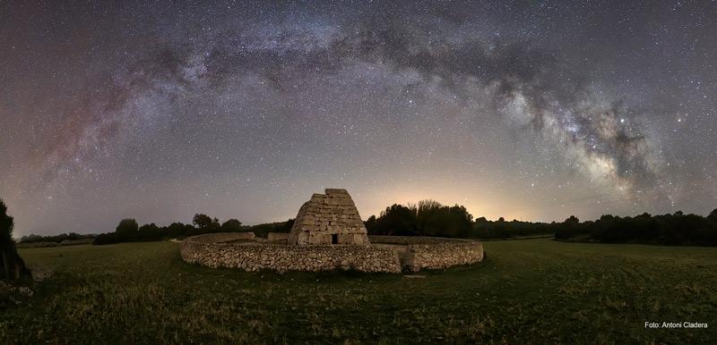 Perseidas Estrellas en Menorca Naveta Tudons ©AntoniCladera copia - Perseidas en Menorca, un espectáculo celestial en agosto